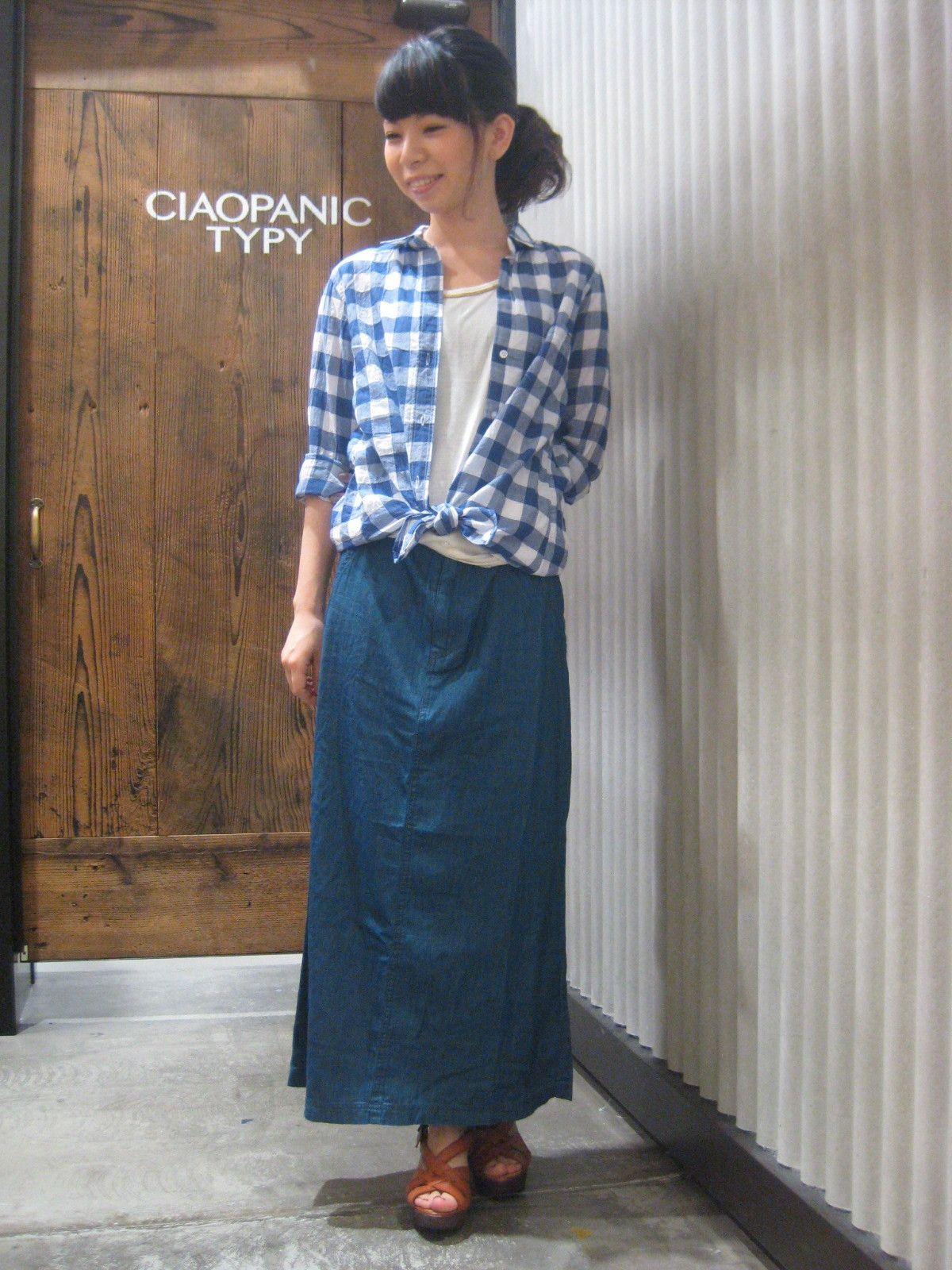 499ab495614c4 画像   2015レディース チェックシャツのコーデ集(着こなし 腰 スカート 青 ユニクロ 春