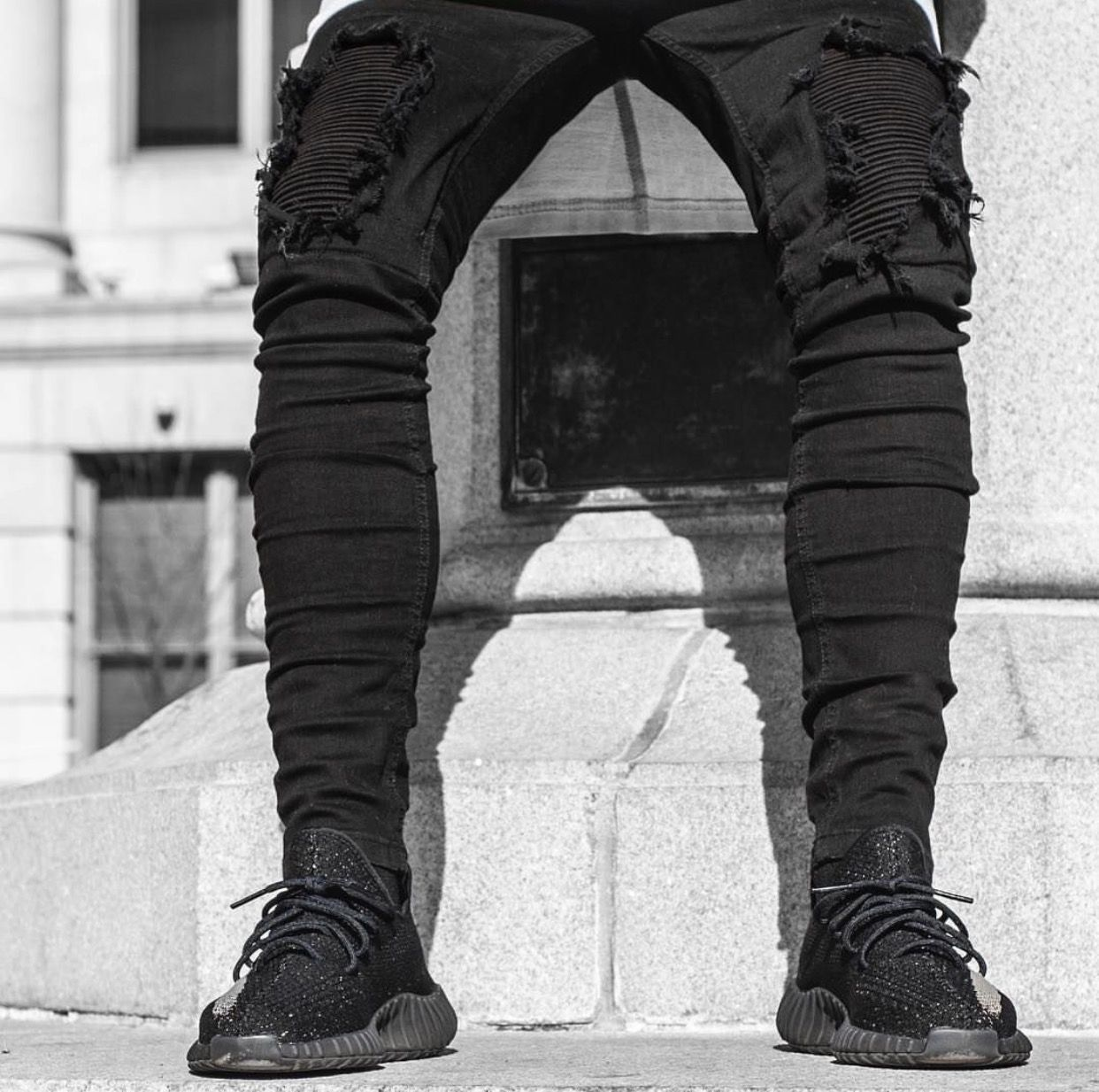 ff47f2be133 Biker Blk Jeans (Informal Apparel) adidas Yeezy Boost 350 V2 Oreo ...