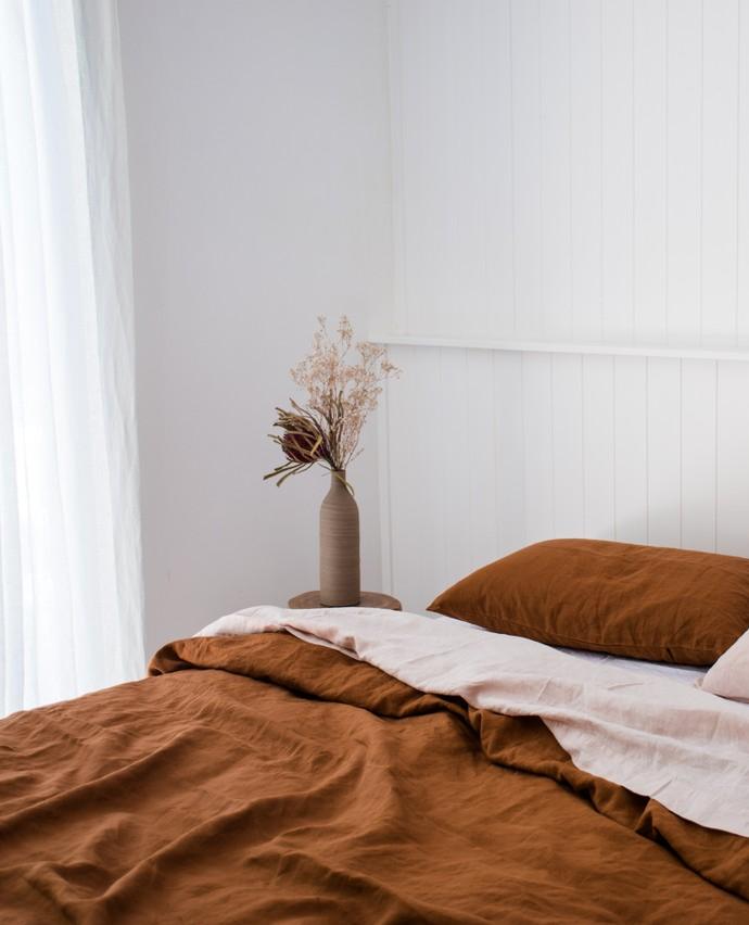 Photo of Ultra luxuriöser Bettbezug aus 100% reinem französischem Leinen in Ocker