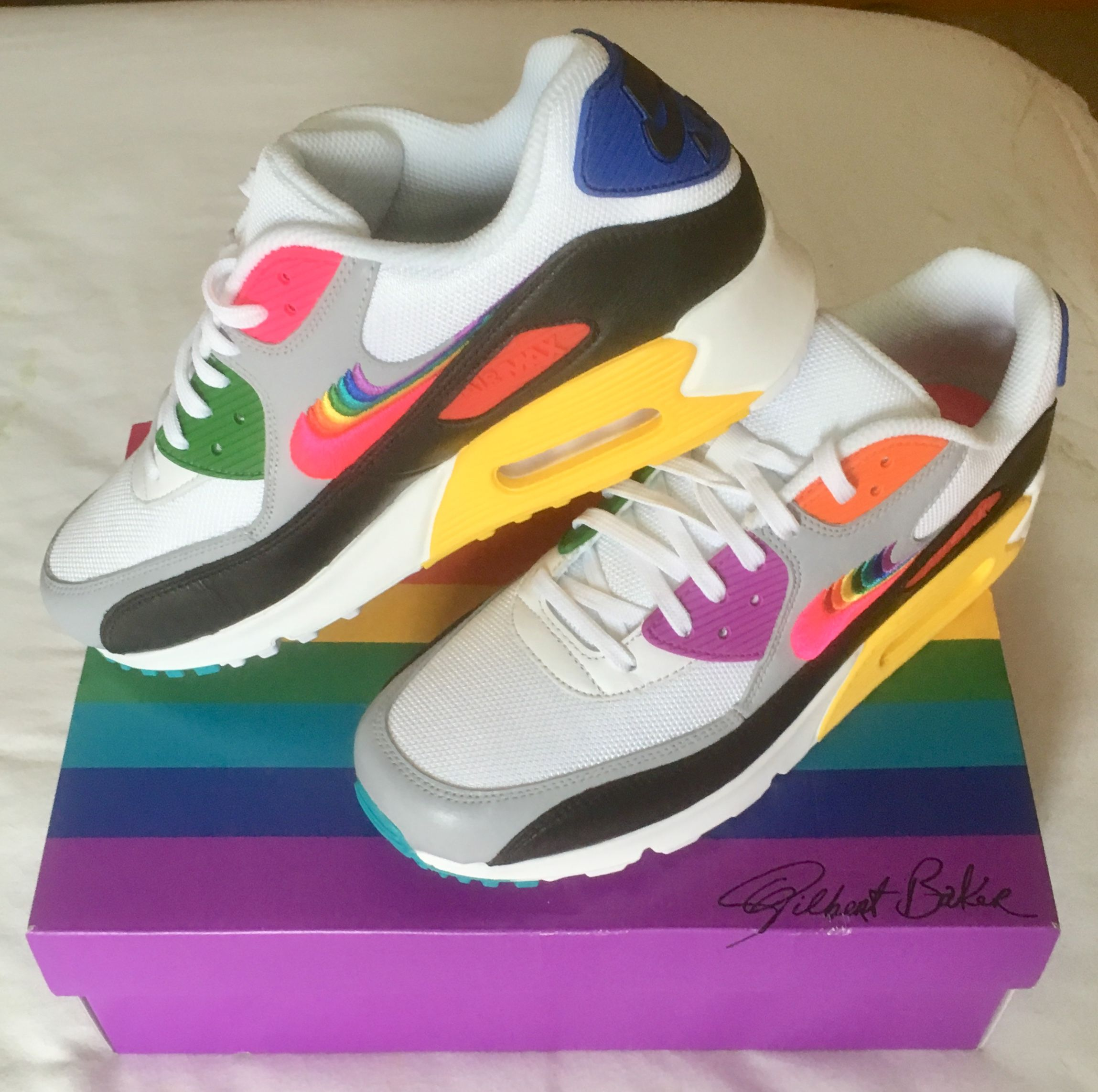 Retro Rainbow Sneakers : Nike Be True