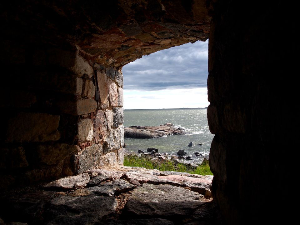 Through the Finnish castle walls