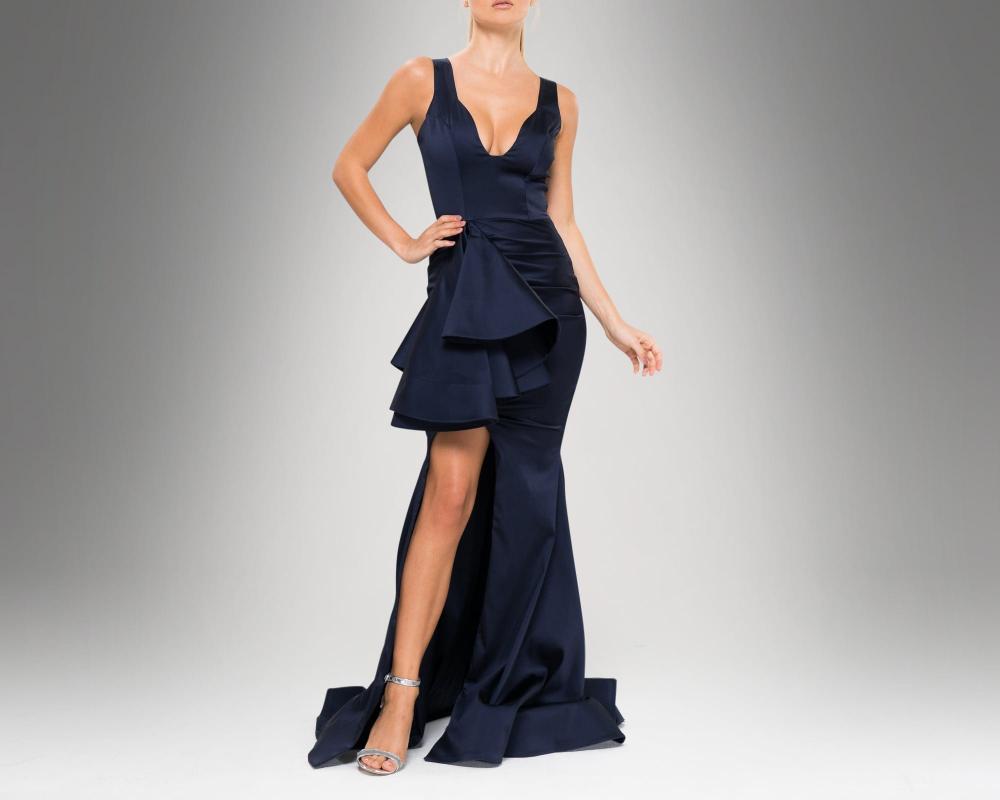 Luxury Gown Rental Dubai Rent Evening Dresses Michael Cinco Gowns Rent Zuhair Murad Dress Rent Designer Clothes Rent A Dress Wedding Dresses Dubai Gowns For Ren Vestidos Hermosa