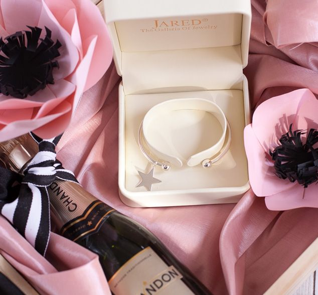 """A DIY """"Will You Be My Bridesmaid: Ask Box!  #ad #BRIDEnBEYOND"""