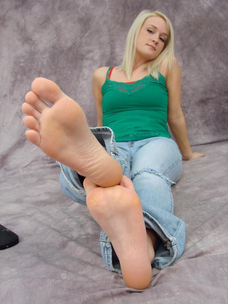 Blonde girl feet
