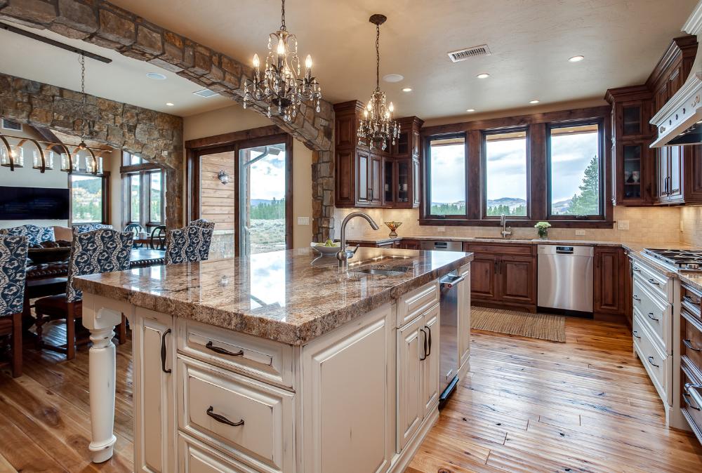 Mountain Home Kitchen Design Fraser Valley Colorado Jm Kitchen In 2020 Kitchen Design Custom Kitchens Design Custom Kitchens
