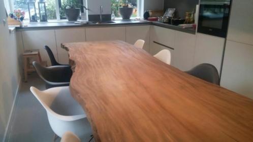 Suar Wood Tafels : Suar teak houten boomstamtafel deze tafel is helmaal uit stuk
