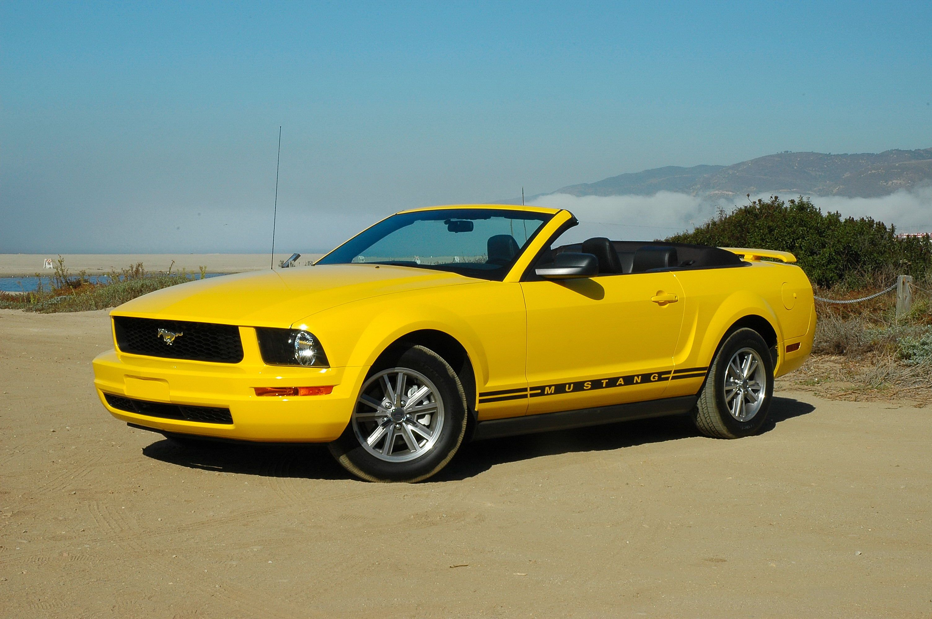 Ford mustang 2005 ford mustang v6 convertible