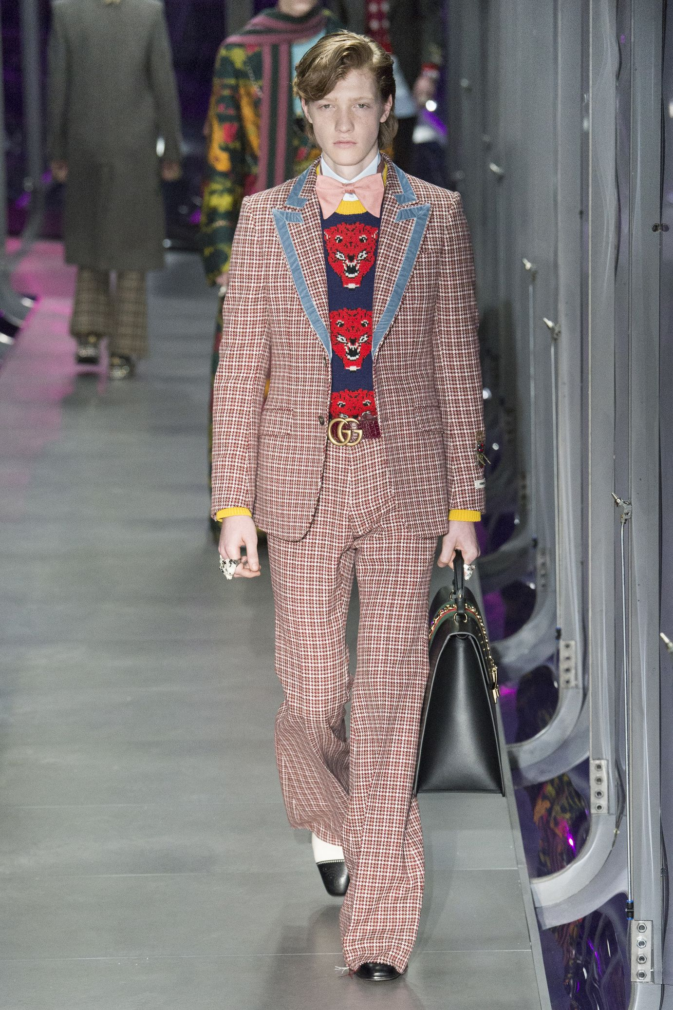 0aefb5e16df5b  DéfiléGucci  fashion  Koshchenets Défilé Gucci prêt-à-porter femme  automne-hiver 2017-2018 12