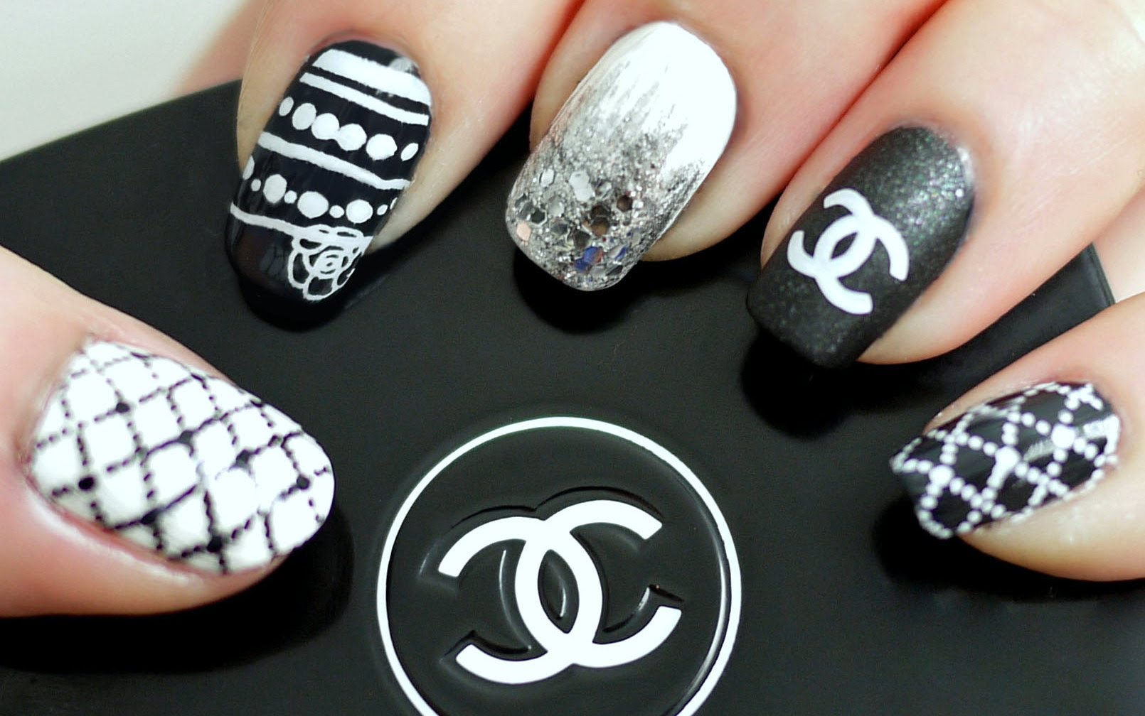Black Amp White Chanel Inspired Nail Tutorial Konad Stamping Best Nail Art Designs Chanel Nails Nails