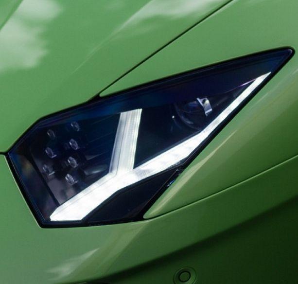 The Lamborghini Aventador Will Make Anybody Green With Envy Hit Image For Hot Photo S Car Garagedream