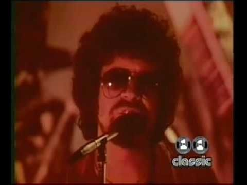 Electric Light Orchestra   Donu0027t Bring Me Down Video
