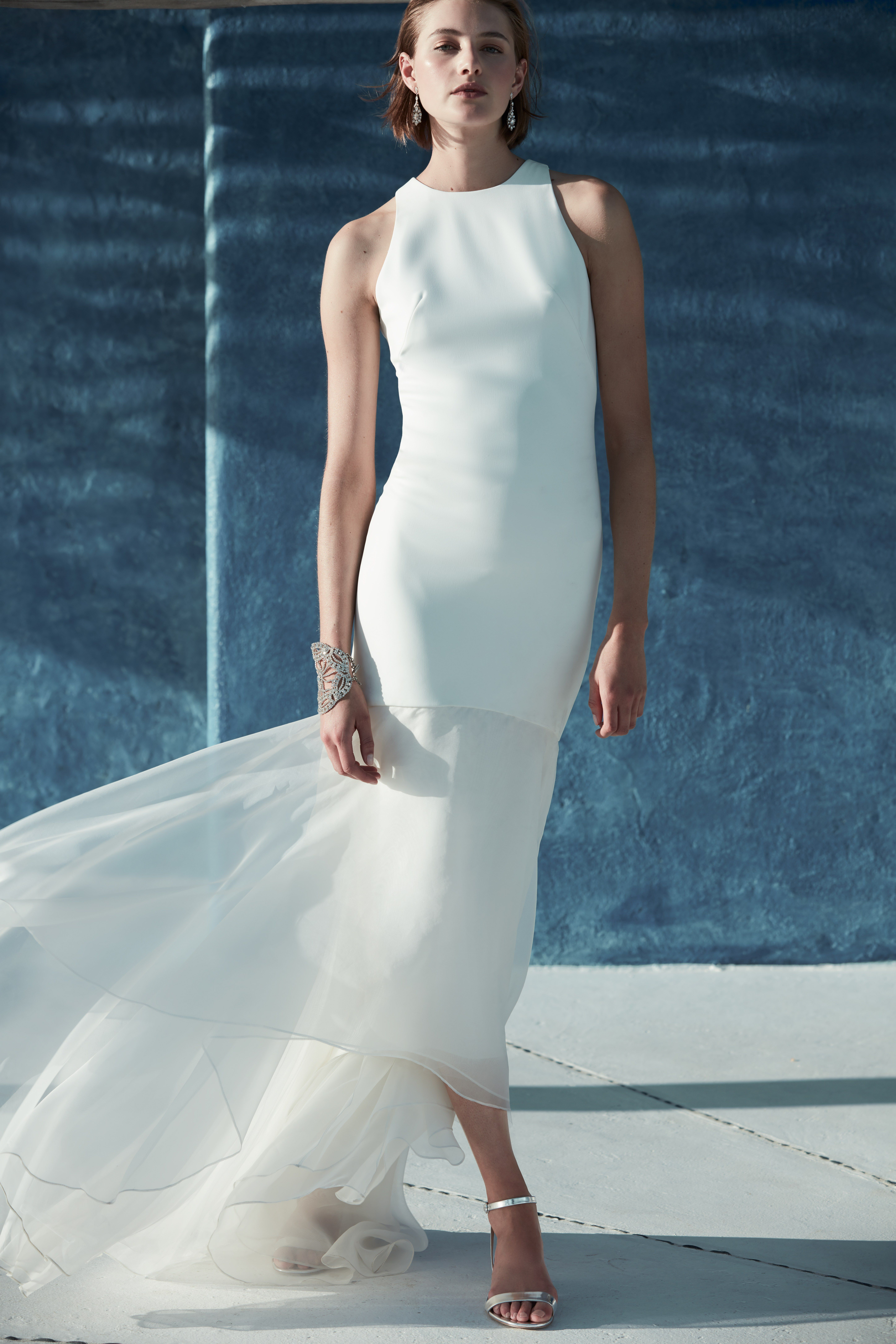 These minimalist wedding dresses prove that simple wedding dresses ...