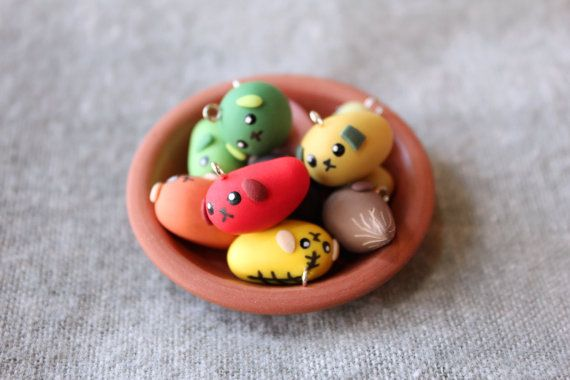 Ne... Shiteru? (Hey... Do you know?) Get your own little bean dog to ruin someones appetite! Mameshiba~ They are made from polymer clay and painted with a good quality acrylic paint. Earring versions are available in my shop as well!  SIZE: Approx. 2 cm (Width)  Every Mameshiba comes with a black lobster clasp strap.  I highly recommend buying at least two items so the shipping will be more worth it because of the registered shipping I use. ^_^ For international customers, tracking of your…