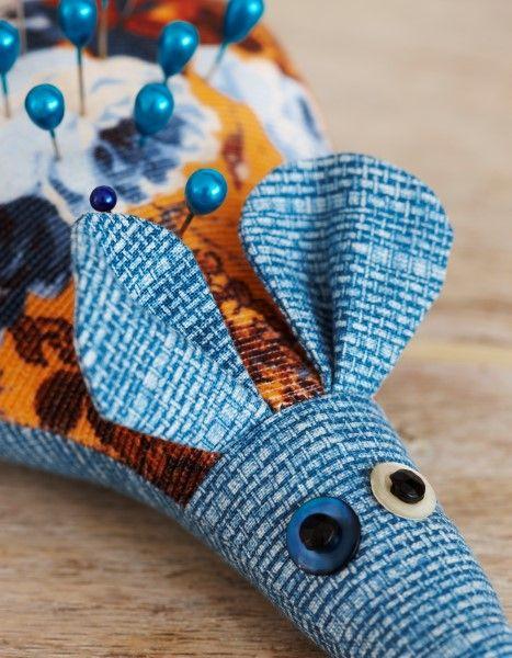 Mouse pin cushion project - zakka style
