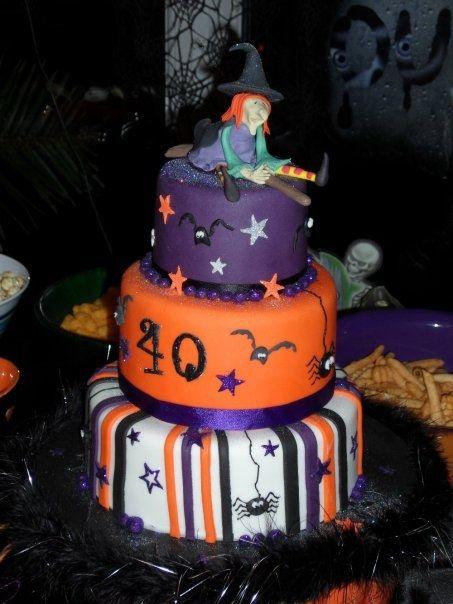 Halloween cake, Displayed by wwwimlolnet Halloween Cakes - halloween cake decorating pictures
