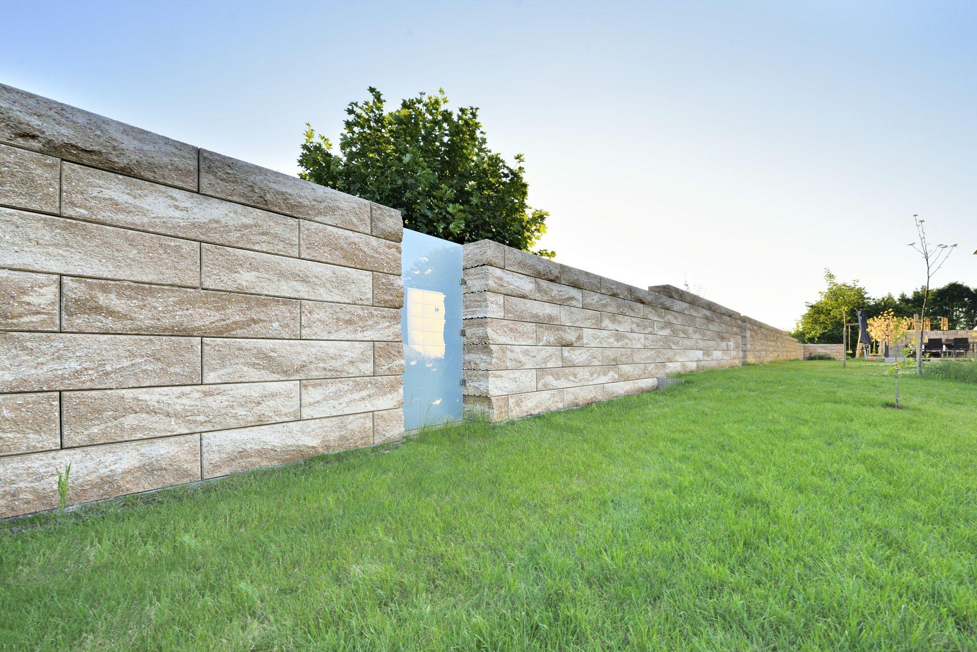Gartenmauer Als Sichtschutz Fur Den Garten Sichtschutz Garten