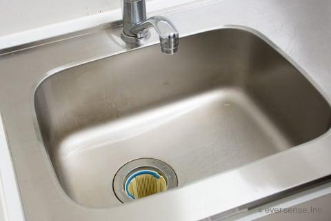 実践解説 キッチンハイターで排水口掃除 ヌメリがツルツルに 2020
