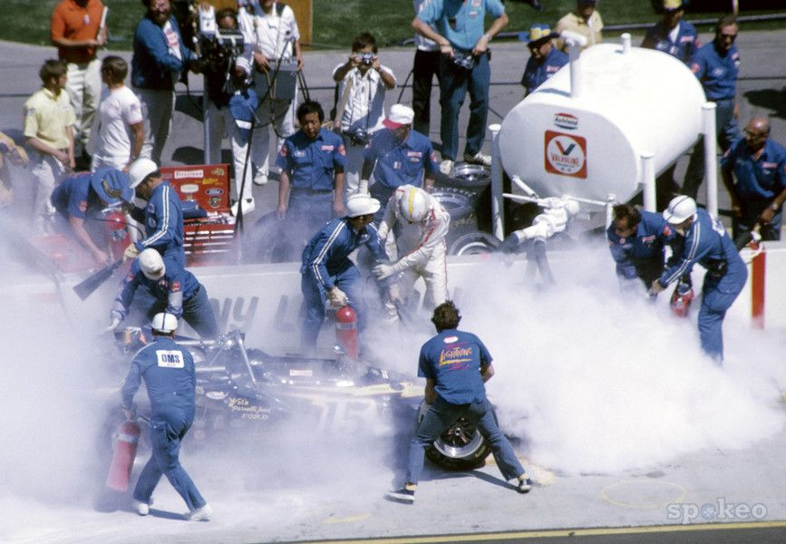 Joe Leonard catches on fire during the 1970 Indy 500