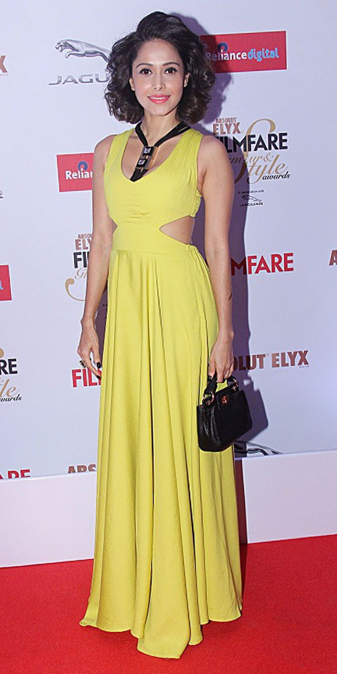 Nushrat Bharucha at the 2015 Filmfare Glamour And Style ...