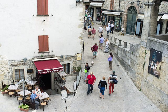 Street view in San Marino by @Asgeir Pedersen, via Flickr