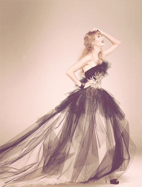 Taylor Swift's dress. I'm in love.