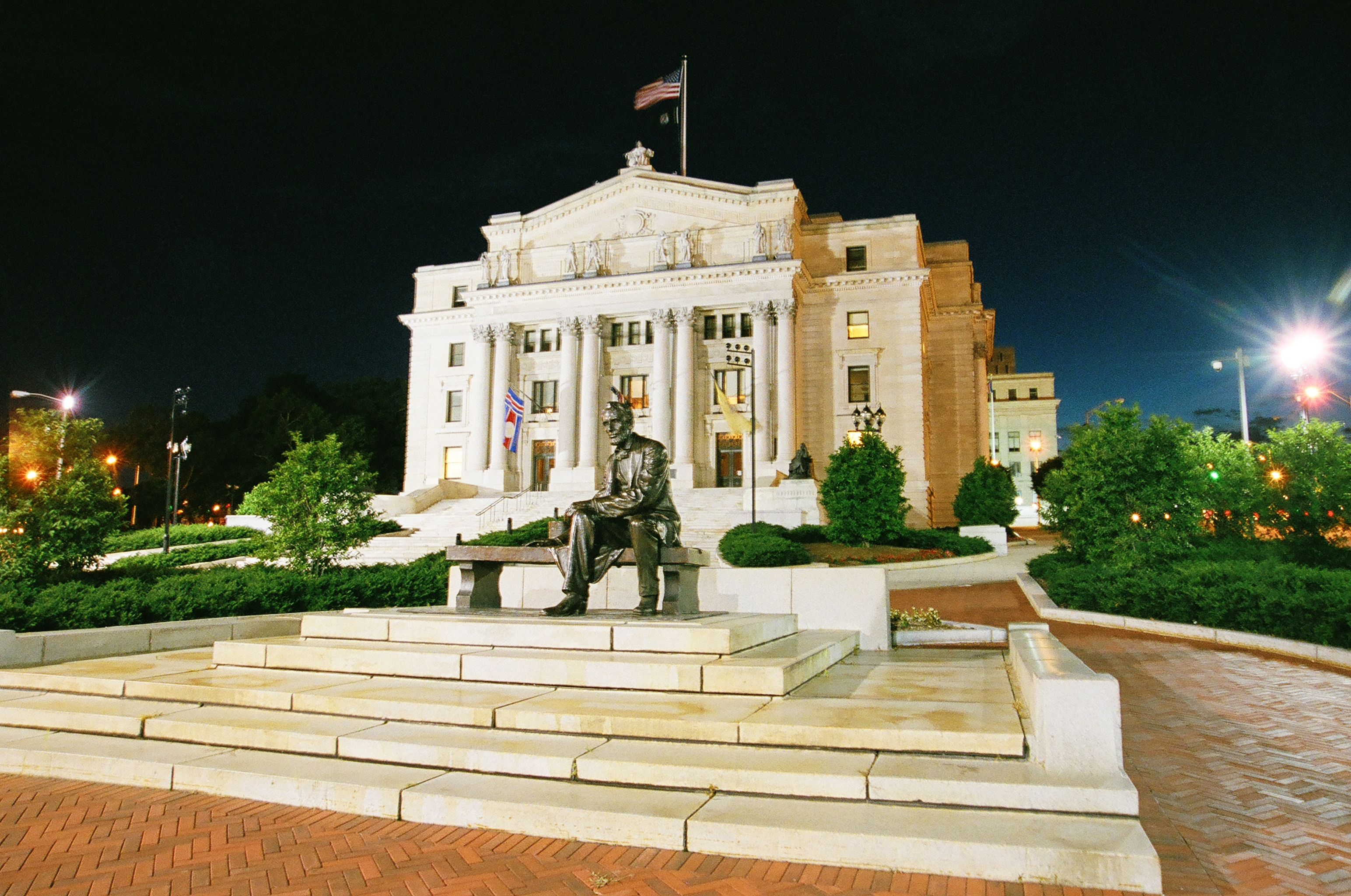 Seated lincoln by gutzon borglum mount rushmore fame for Downtown motors beaumont texas