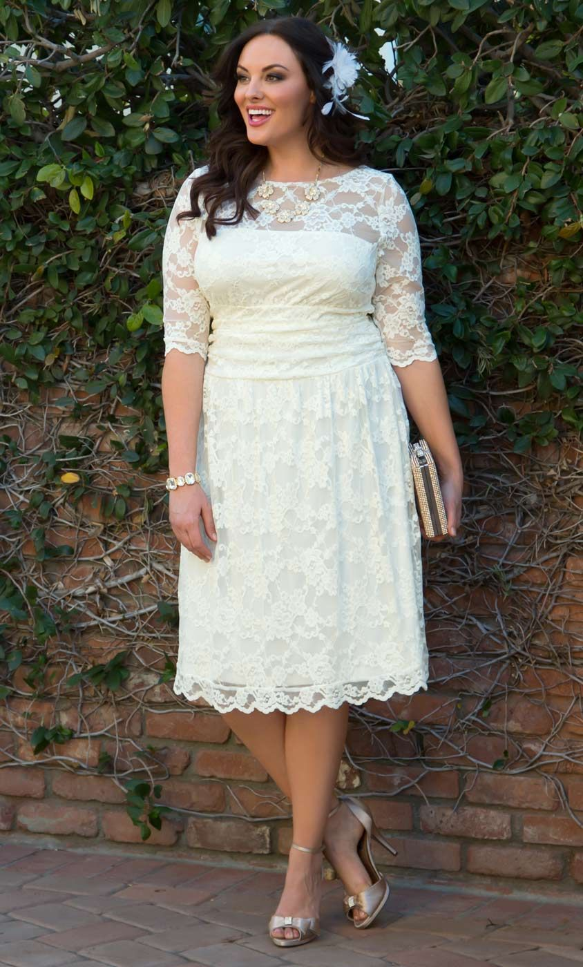 Head To The Chapel In Our Plus Size Aurora Lace Wedding Dress This Vintage Inspired Lace Dre Courthouse Wedding Dress Casual Wedding Dress Short Wedding Dress [ 1400 x 844 Pixel ]