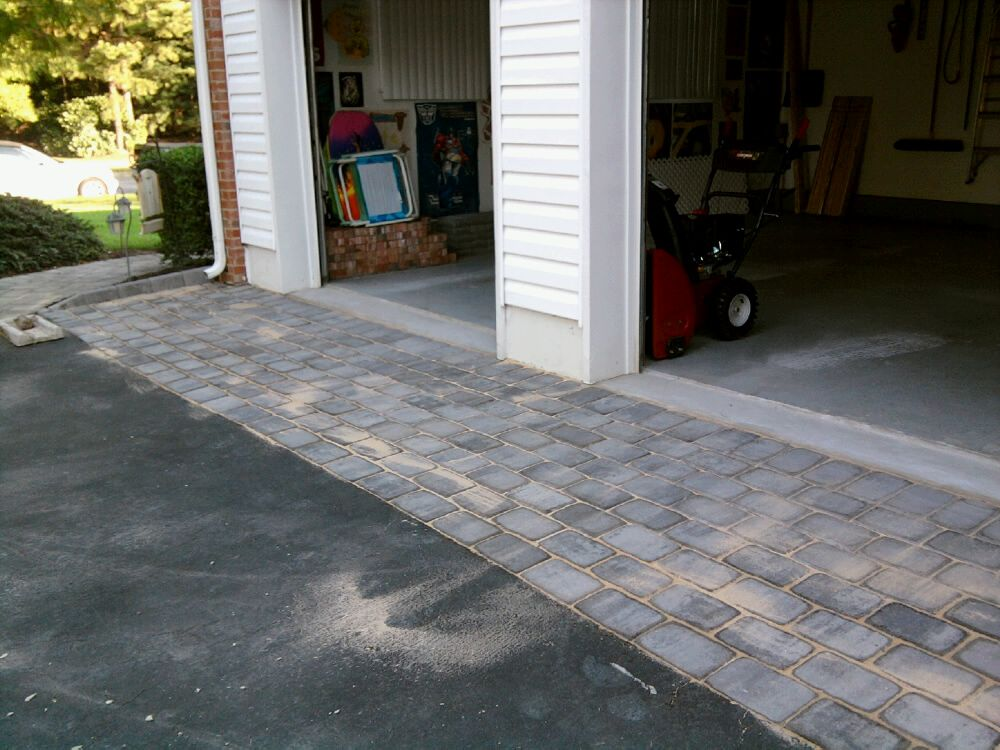 Belgian Block And Pavers Dressing Up An Asphalt Driveway All About The House Driveway Apron Asphalt Driveway Driveway Design