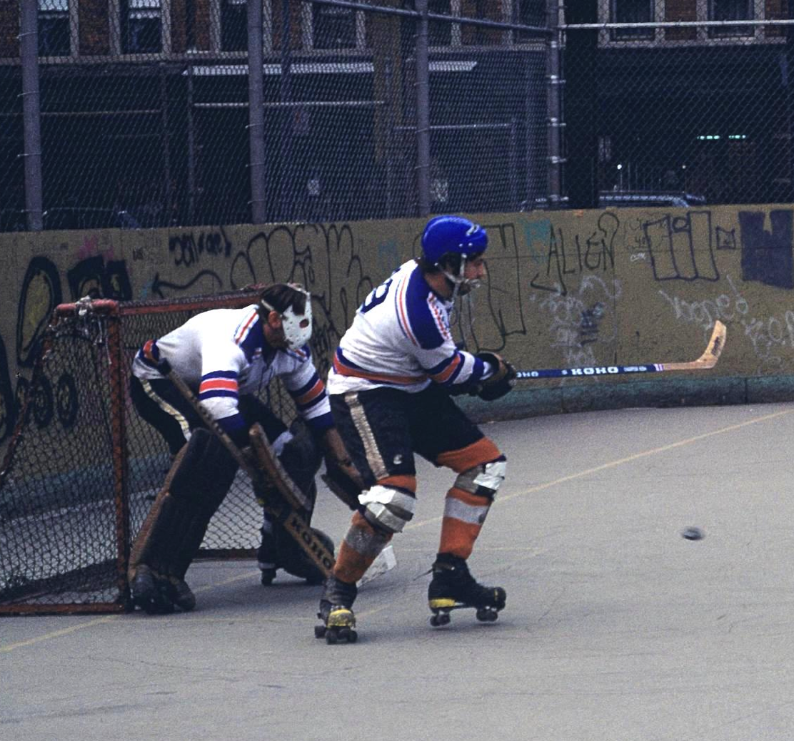 Old School Roller Hockey Team From Brooklyn New York Looks Like The 1970s From A Great Blog Http Avenuefhockey Blogspot Street Hockey Ice Hockey Hockey