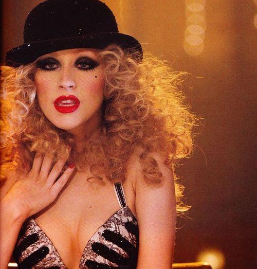 show me how to burlesque lyrics christina