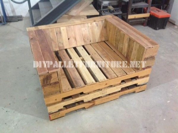 Unpadded Chair Made With Pallets 3