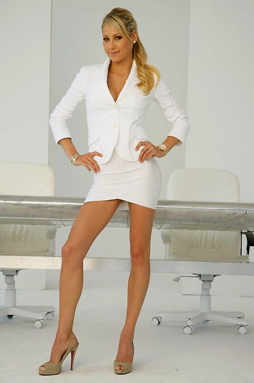 Anna Kournikova White Skirt Suit And Nude Louboutin Heels