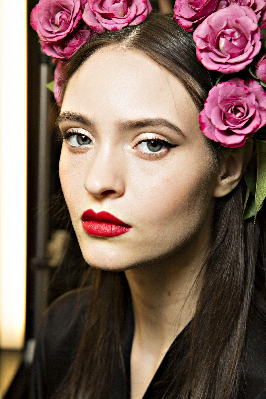 Dolce & Gabbana Spring 2010. in 2019 Fashion, Hair