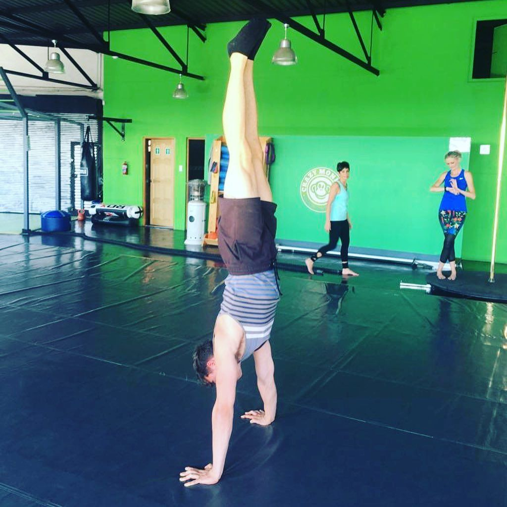 #fitness Fantastic handstand workshop! Thanks to everyone who joined in the fun.#hanstand #workshop...