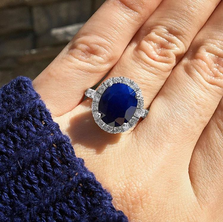 Kate Middleton S Diamond And Sapphire Ring Get The Look Diamond Engagement Rings Vintage Estate Engagement Ring Sapphire Ring