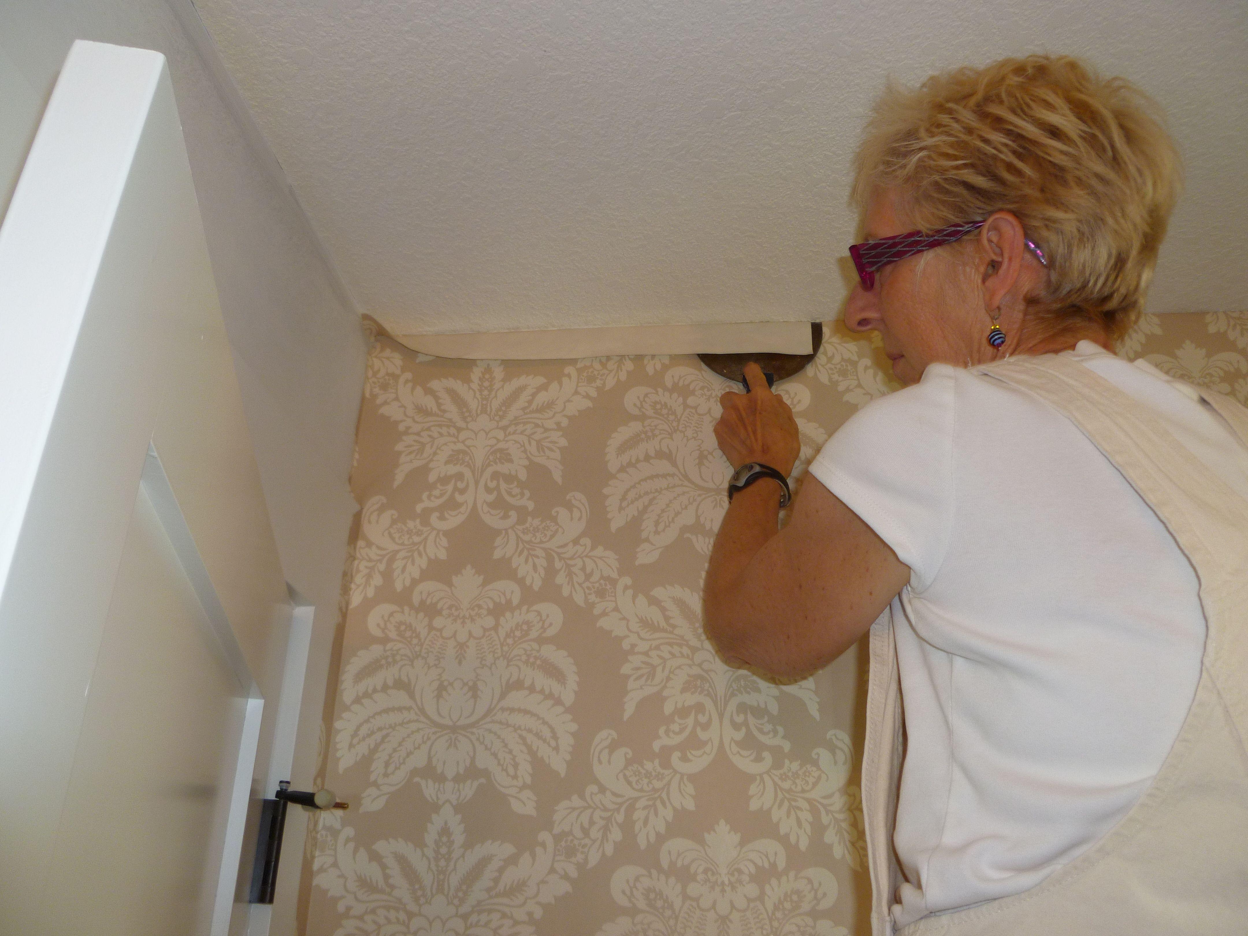 A Professional Wallpaper Hanger Hiring Is Money Well