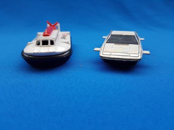 Photo of James Bond cars, James Bond collection, 007 Collectables, 007 Lotus Esprit, lotus Esprit, hovercraft