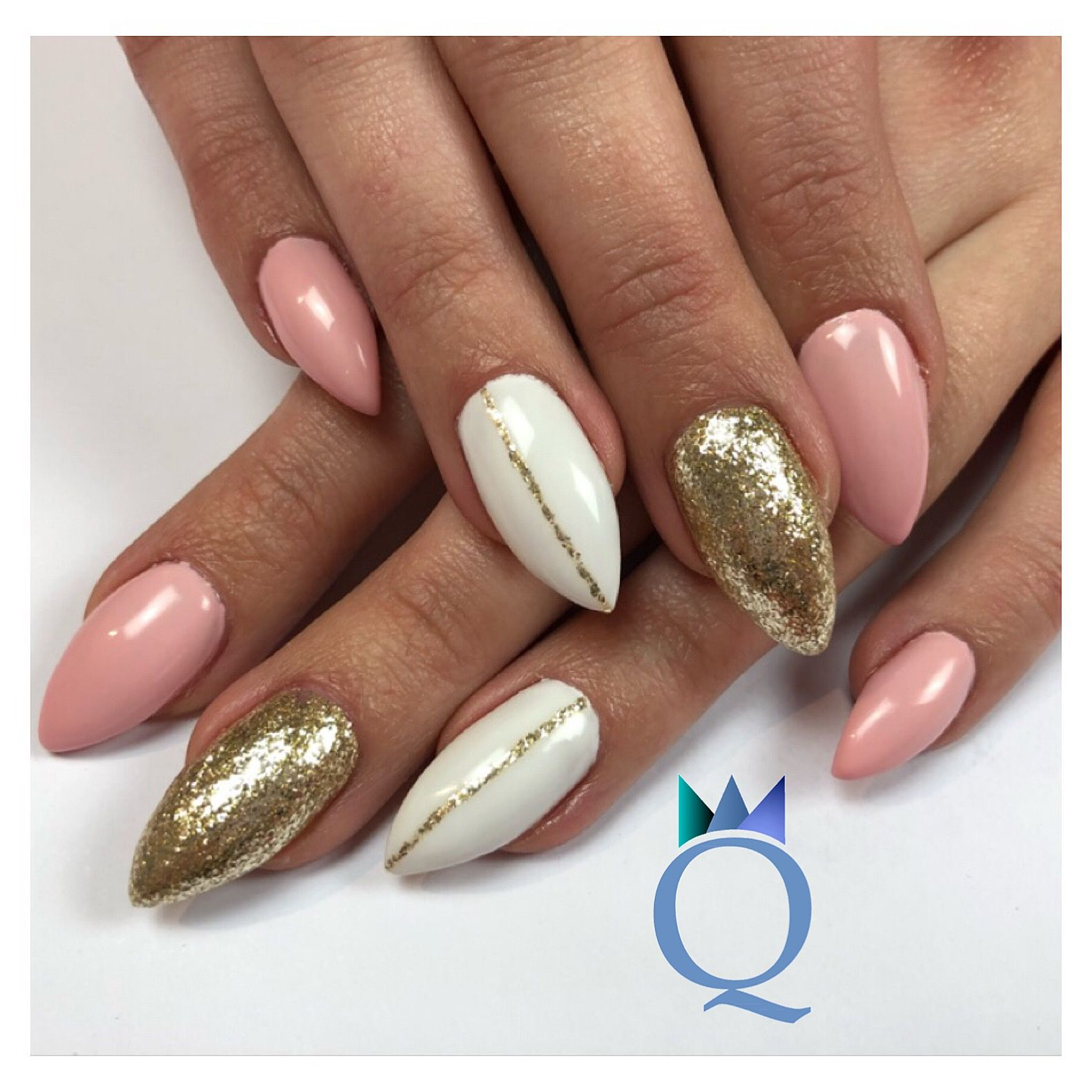 Nageldesign Weiß Rosa Stilettonails Gelnails Nails Pink White Gold Stilettos