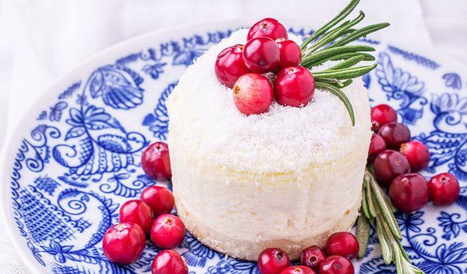 Leichte Low Carb Cranberry-Joghurt-Törtchen