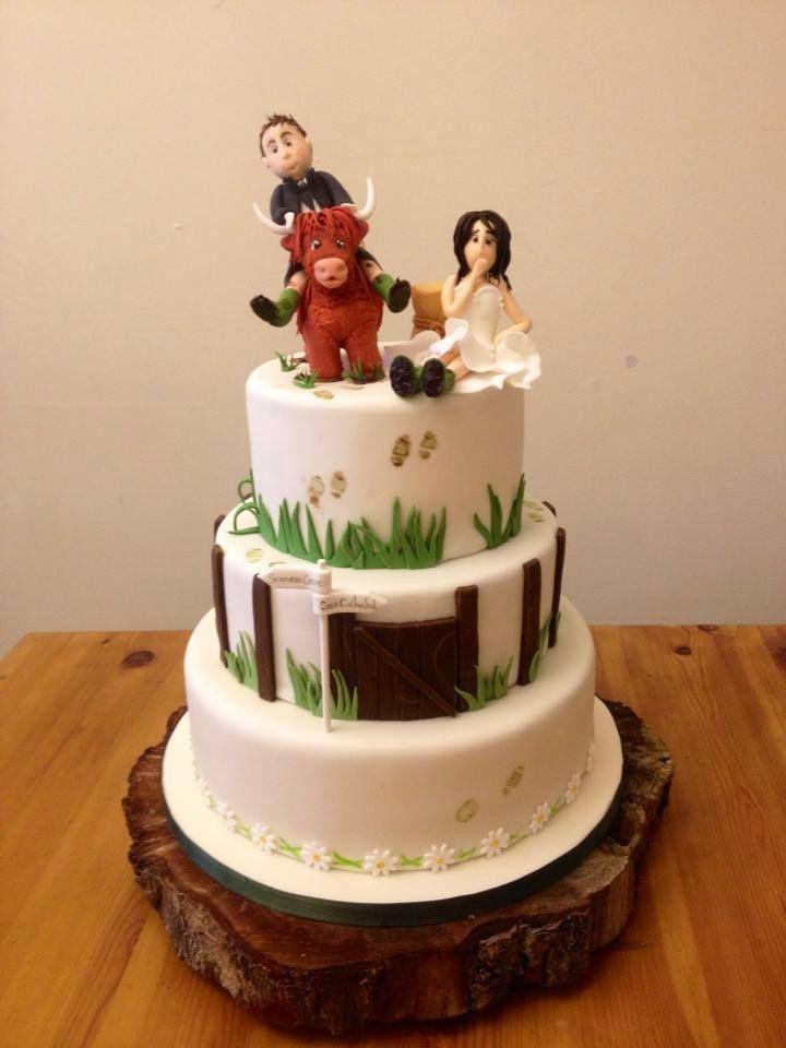 Highland Cow Wedding Cake Cow Cakes Wedding Cakes Wedding