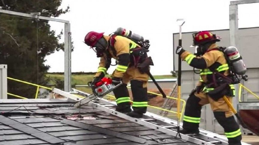 Tesla Solar Roof Gets Safely Dismantled by Firefighters in