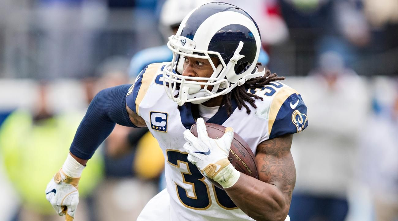 Todd Gurley Running Back For The Los Angeles Rams 101 Rush Yards 415 Yards 7 Touchdowns Stats As Of 2018 We Los Angeles Rams Todd Gurley Football Helmets