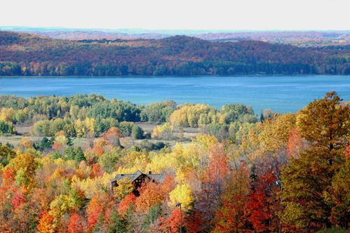 Michigan Travel Guide Things To Do In Traverse City In The Fall Traverse City Michigan Michigan Travel Michigan Road Trip
