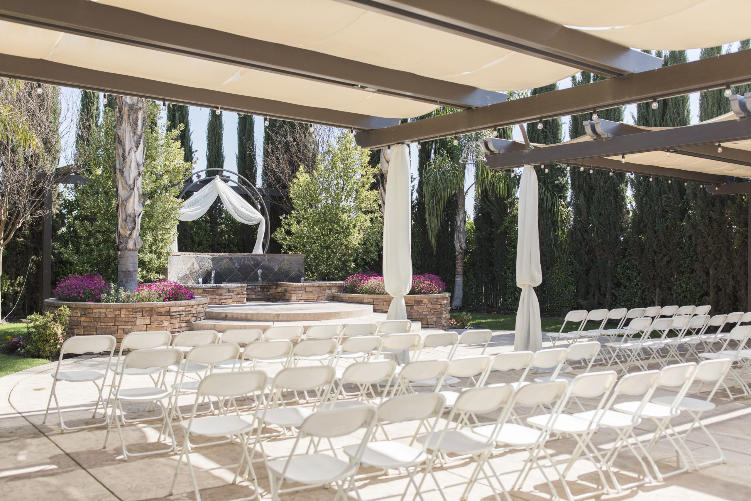 Fresno Fields By Wedgewood Weddings Is An All Inclusive Wedding Venue Located In Fre In 2020 Wedgewood Wedding Northern California Wedding Venues Classic Wedding Venue