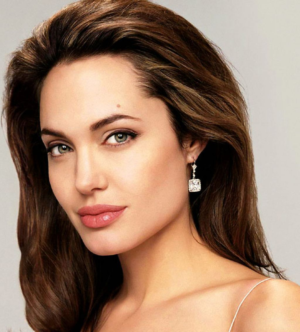 Angelina Jolie Balayage Hair Hair Color For Black Hair Pale Skin Hair Color Hair Colour For Green Eyes