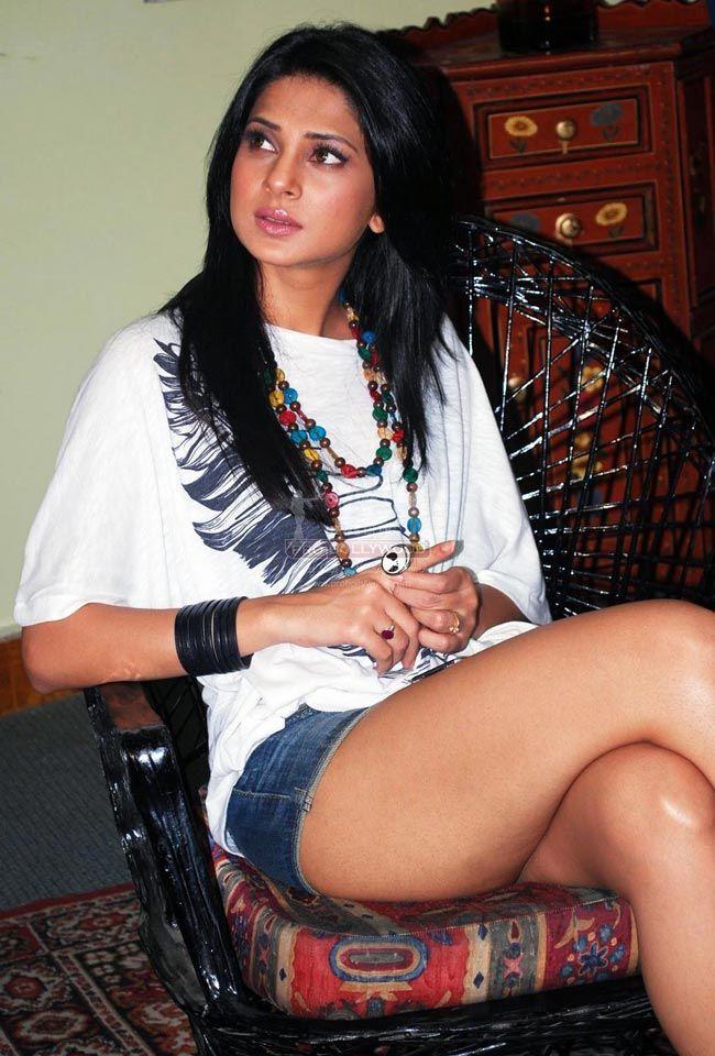 Jennifer Grover Bollywood Fashion Style Beauty