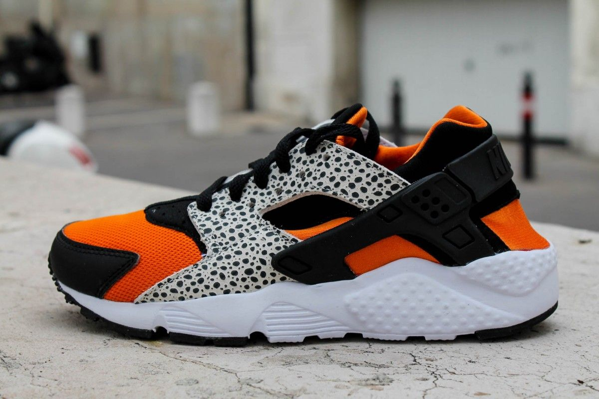 197a6fe217913 NIKE HUARACHE RUN GS