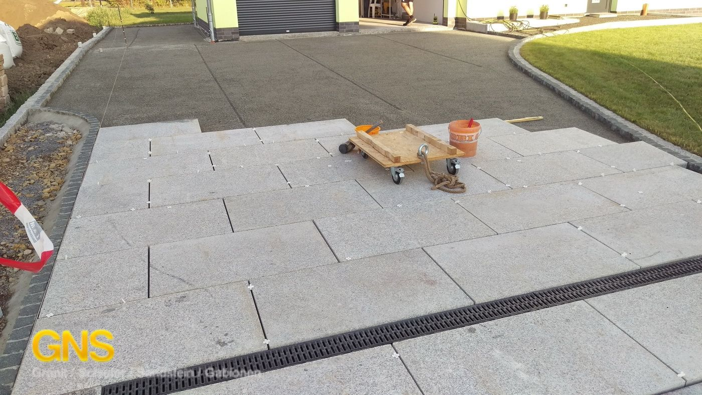 Granitplatten Einfahrt Terrassenplatten Grau Hellgrau Granitplatten Granitfliesen Gartenplatten