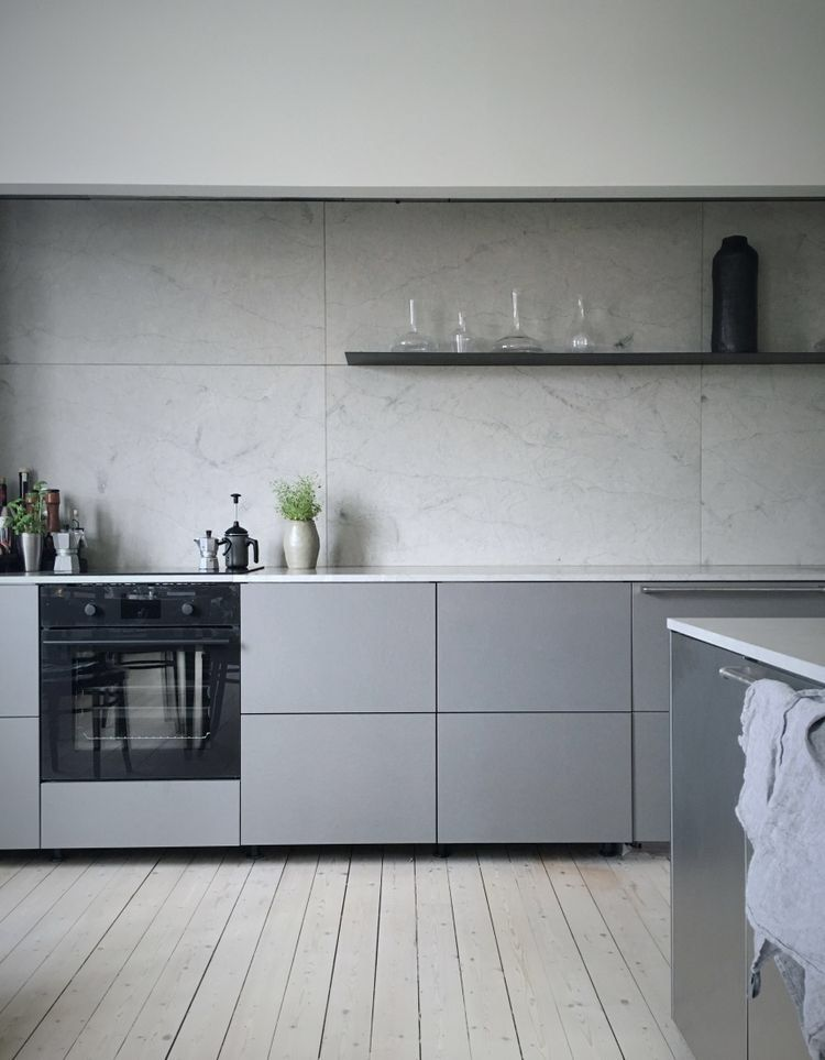 Pin by 𝒦𝒶𝓇𝓮𝓃 𝓑. on KITCHENS & DINING | Minimalist kitchen ...