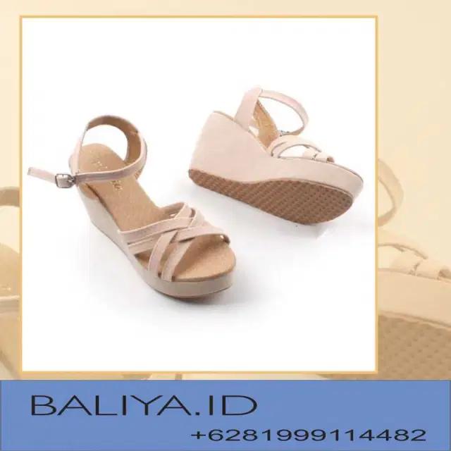 Harga Sandal Wedges Yongki Komaladi in